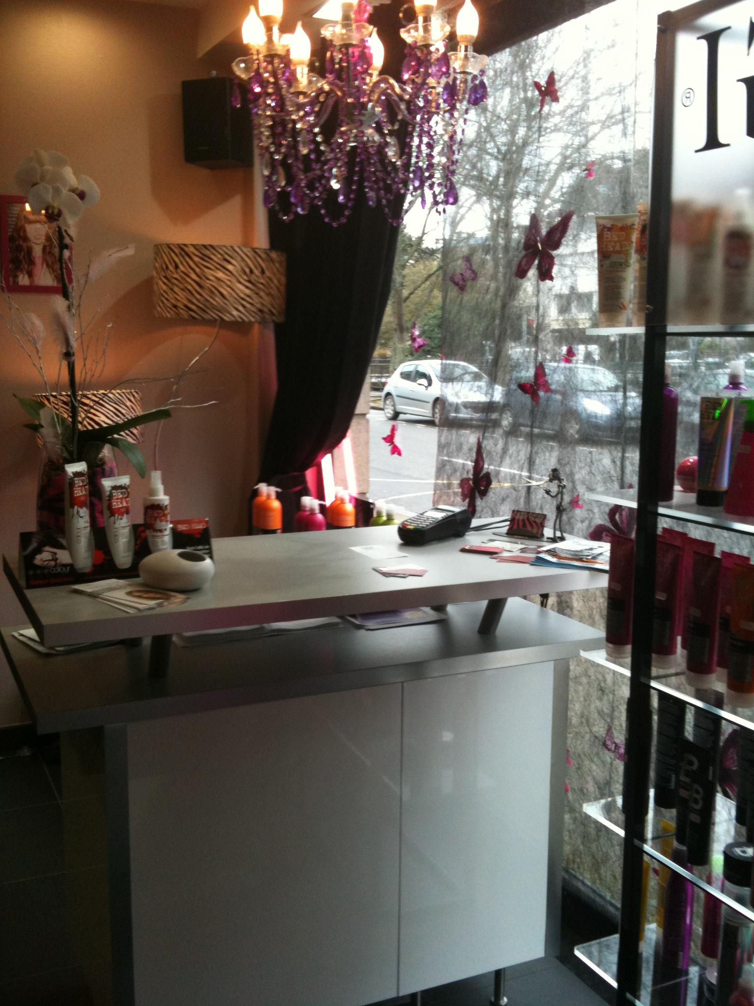 Salon des quais quimper en finistere sur citymalin for Salon coiffure quimper